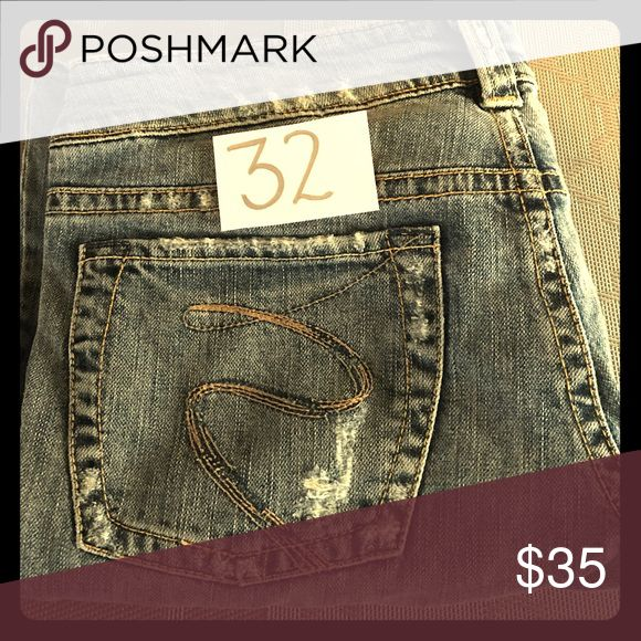 Silver Women's Jeans In good condition. Silver Jeans Jeans Boot Cut