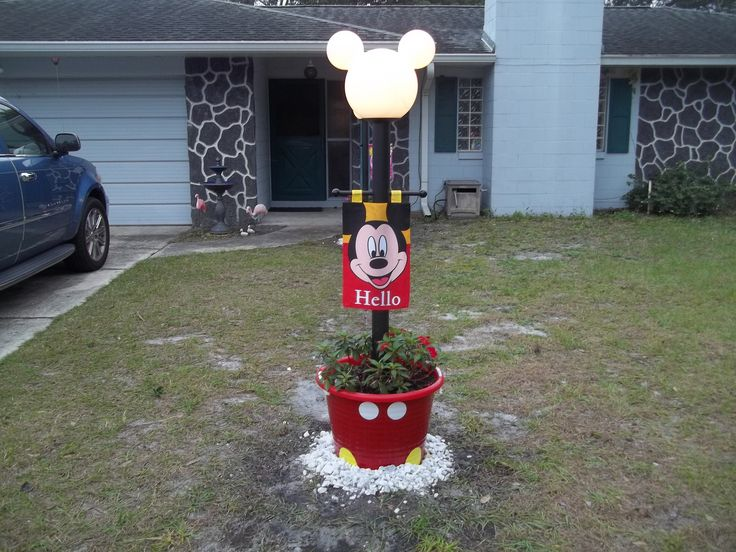 De 25+ bedste ider inden for Mickey mouse lamp p ...