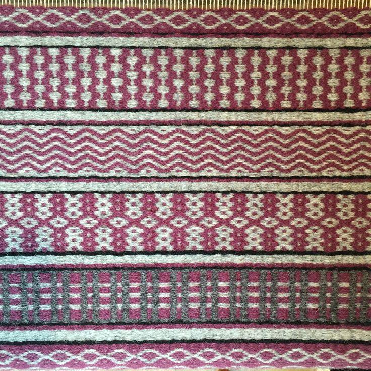Barbara Pickel - Rosepath, woven with Brage wool from Vavstuga Weaving School.