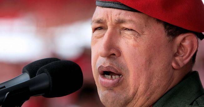 El presidente de Venezuela, Hugo Chávez, regresó a su país después de muchas especulaciones acerca de la cirugía por un absceso pélvico a la que fue sometido en un hospital de la Habana el pasado 10 de junio de 2011, en donde se le extirpó un tumor con presencia de