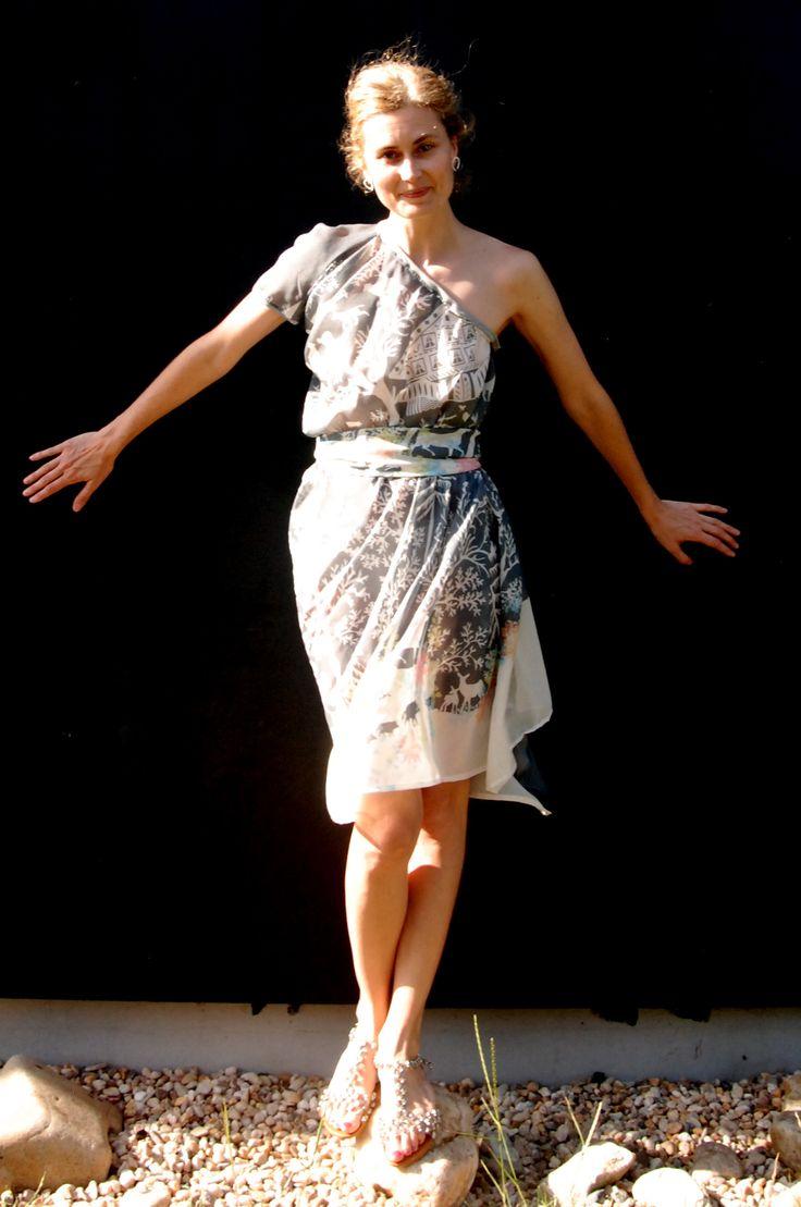 Lehounké hedvábné šaty