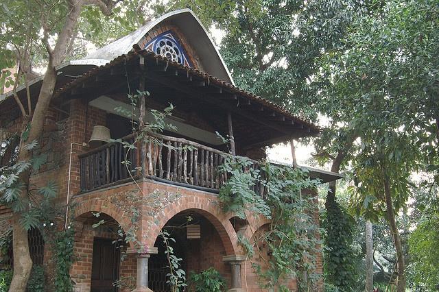 Architect gerard d 39 cunha 39 s house in porvorim goa great for Architecture design for home in goa