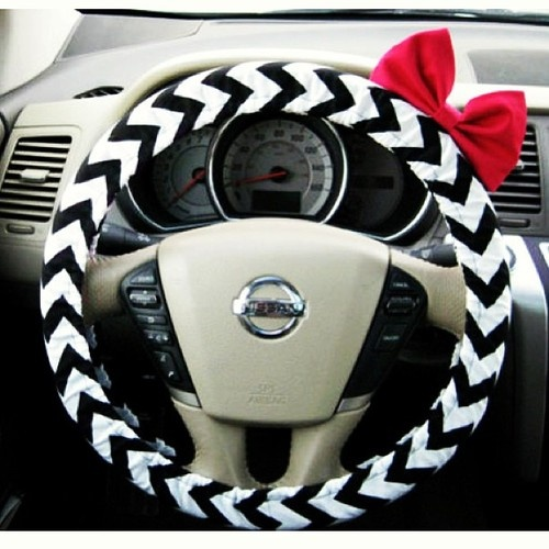 wheel cover with bow