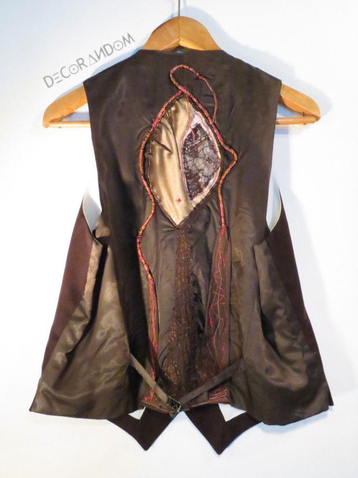 gilet marrone,vintage,in lana,con pizzo,ricamato,gilet unisex,decorato con stoffa riciclata,autunno,taglia media,restyling abiti,riciclo g1 di decorandom su Etsy