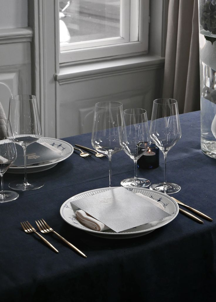 Royal Copenhagen´s blue table setting - Stylizimo
