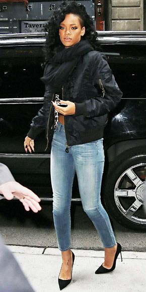 Rihanna strolled Manhattan in a black bomber and skinny jeans accented with pointy-toe stilettos. 13 2: