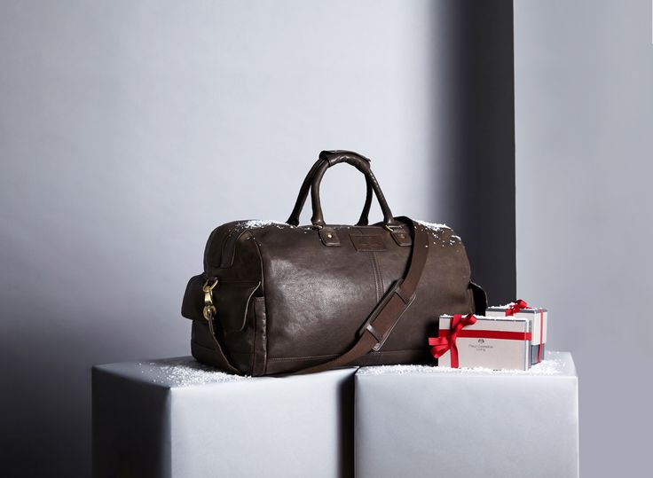 Make someone's Christmas with Paul Costelloe's brown leather weekend bag