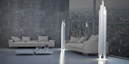 Lámpara de suelo blanca en forma de torre