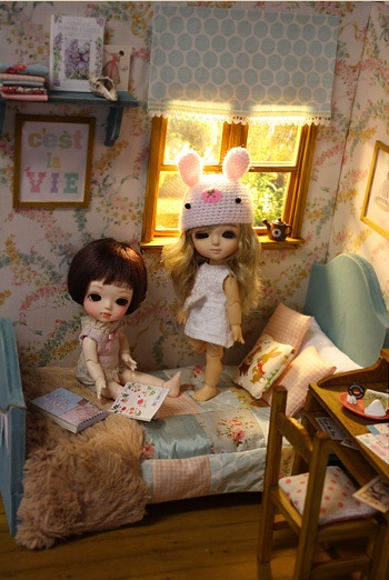Aqua Spirit Diorama by Keera, via Flickr
