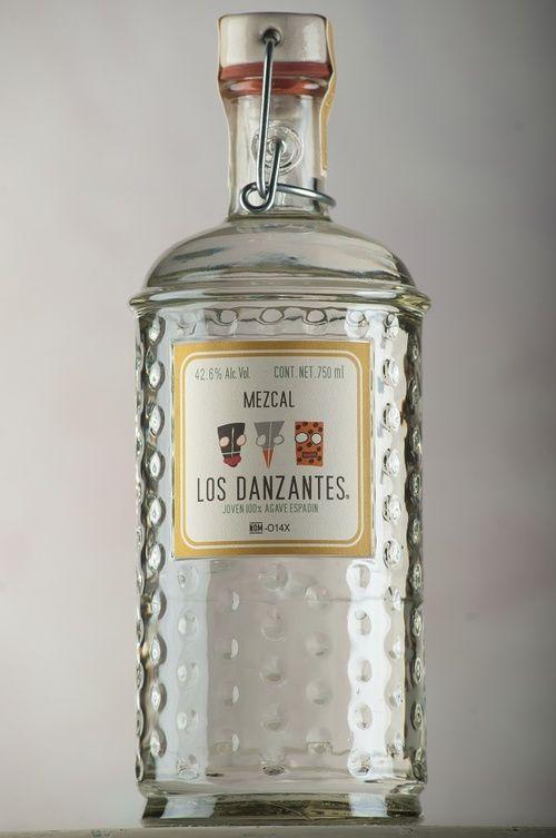 Los Danzantes, (Mezcal Artesanal) es pionero de la nueva ola mundial de gusto por el mezcal. Nuestra marca de la casa nació en 1997 y desde entonces somos la marca más importante de México.