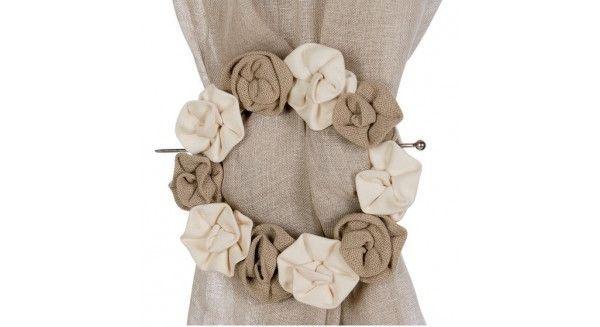 lo stile Shabby Chic , tanto amato dalle inguaribili romantiche, riproposto con una selezione di tende e tessuti da interni......