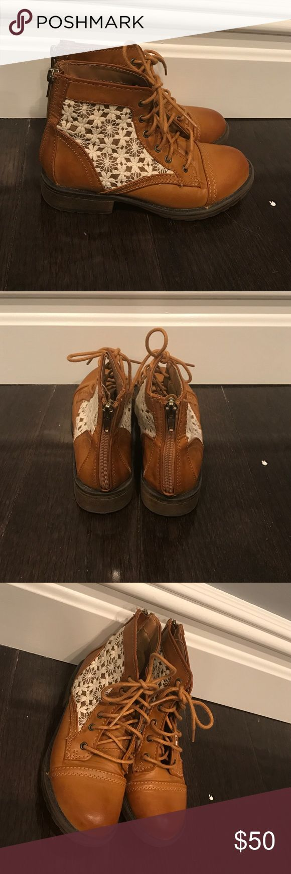 kids steve madden boots brown/tan with white embellishments, perfect for the spring time!! Steve Madden Shoes Boots