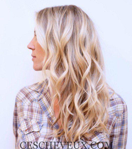 Charme blonds ondulés Coiffure