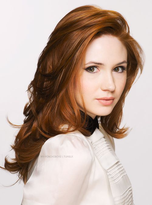 Karen Gillan I love her hair!