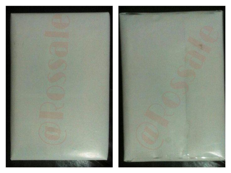 """Buku """"Mathemagics"""" tersebut lantas dibungkus dengan pelapis akhir sebagai lapisan luar."""
