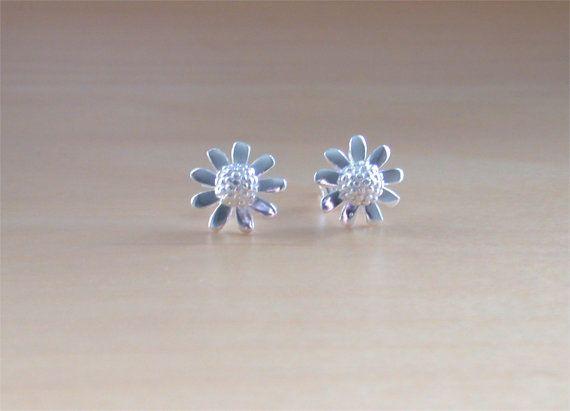 925 Silver Daisy Stud Earrings/Flower Stud by joannasjewellerycouk