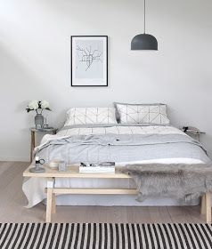 Bench at the foot of the bed #bedroom
