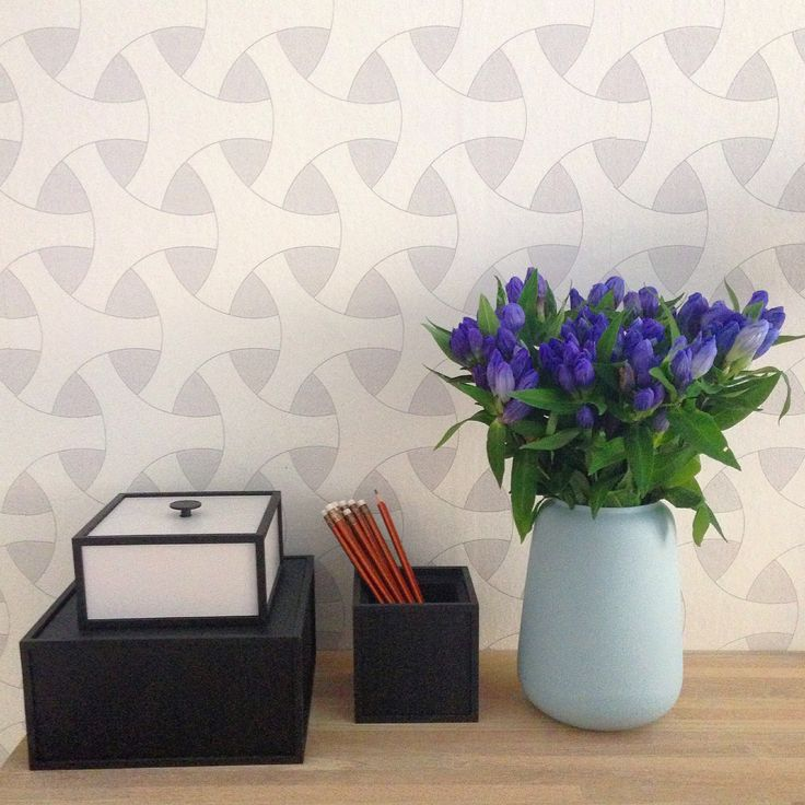 by Lassen wallpaper flow and frame boxes. Ditte Fischer vase.