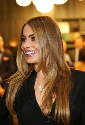 20 Look-Changing Haircut Ideas for 2014 - Sofia Vergara's long layers start at her shoulders and look amazing worn straight… | Hair Hair and more Hair! | Pinte…
