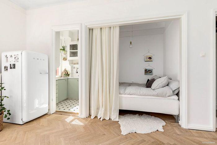 Картинки по запросу кровать за шторой