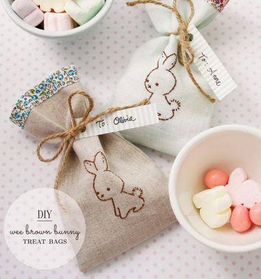 DIY Wee brown bunny treat bags - sewn easter gift bags / Hímzett húsvéti nyuszis ajándék tasakok / Mindy