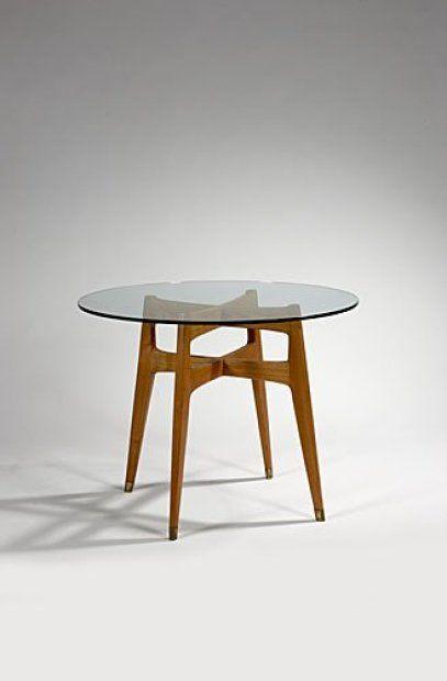 PONTI Gio Table guéridon à plateau circulaire en verre. Piétement en hêtre
