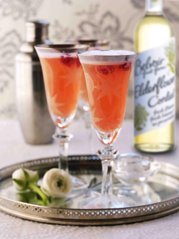 elderflower, gin, raspberry, champagne. yes!