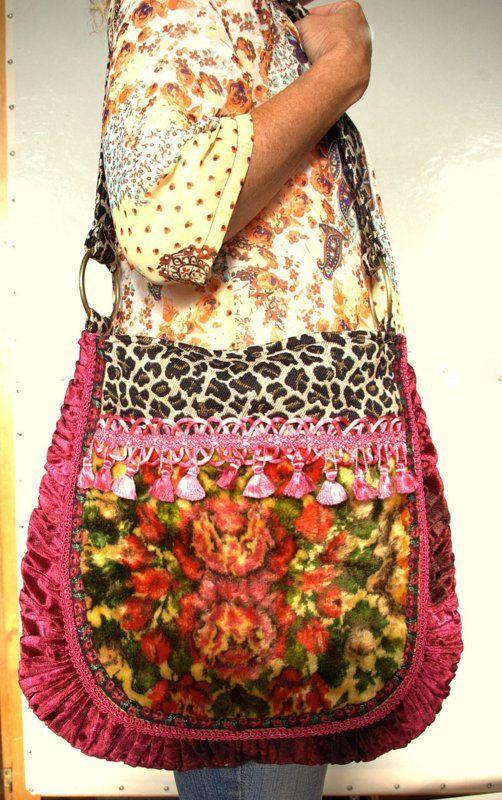 Vintage floral velvet carpet bag por Justbepurses en Etsy