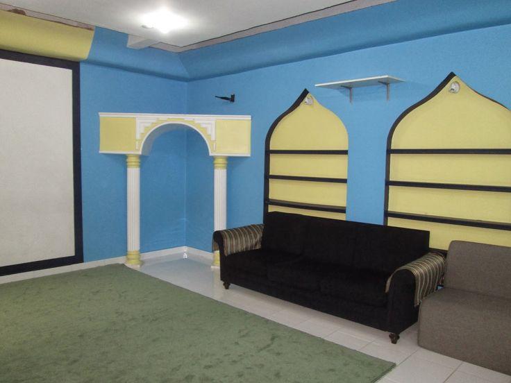 Vi besökte en förskola vars grundare först startade med att ha koranundervisning i sitt hemför tio år sedan för tio barn och nu står fö...