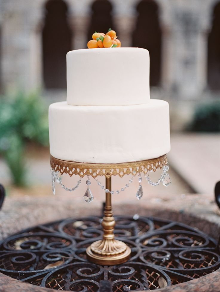 white wedding cake stands simple white wedding cake on a gold cake stand cake by 1362
