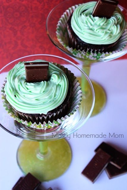 Mostly Homemade Mom: Andes Mint Cupcake-tini  $100 Dollar Tree Gift Card Giveaway!
