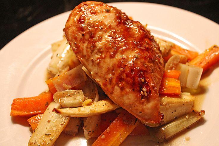 Senf - Honig - Hühnchen mit geröstetem Gemüse, ein sehr schönes Rezept aus der Kategorie Geflügel. Bewertungen: 11. Durchschnitt: Ø 3,8.