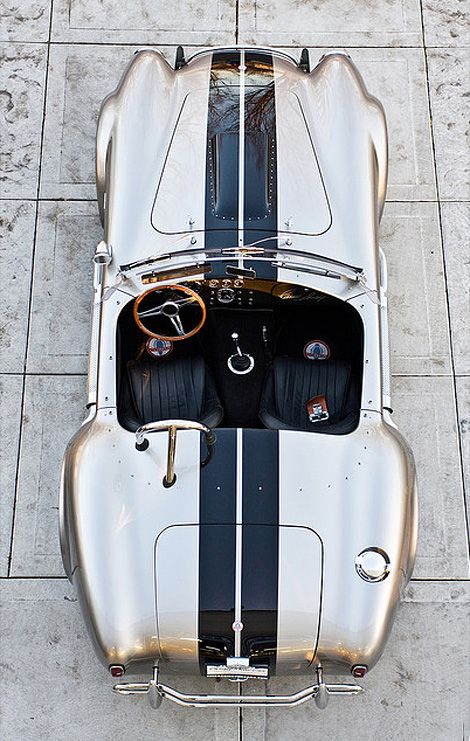 Shelby 427 Cobra More Luxury Beauty - http://amzn.to/2jx73RT