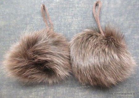 Pompon de pelo, marrón oscuro, con cordón, 9 cm