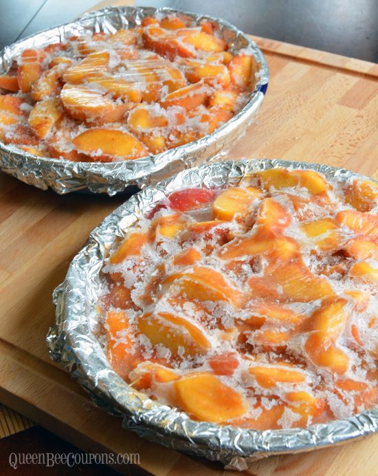 Pin it for later I LOVE this tip that I got from Jennifer after I asked for ideas on what I should do with 25 pounds of peaches! She not only gave me a great peach pie filling recipe, but recommended freezing in pie plates so it could easily be popped into a pie plate …
