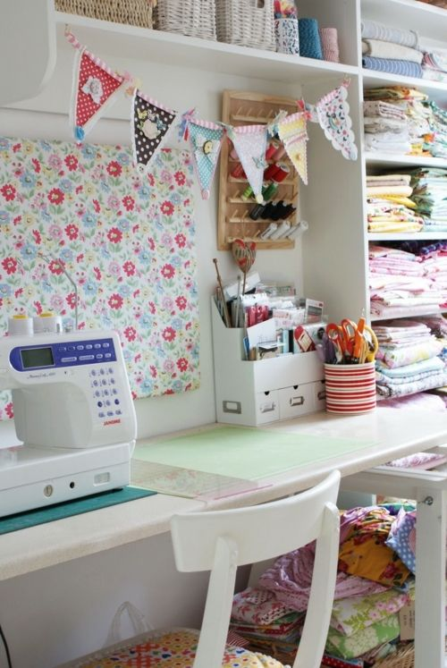 Lovely organization! Future sewing station.