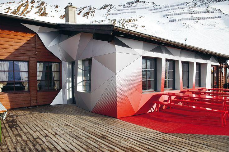 •Quattro Festkogl Alm Obergurgl – Hochgurgl ski area, Austria•First chair design by Stefano Giovannoni•Project: Designliga, Munich•Photo credit: ©AUDI AG