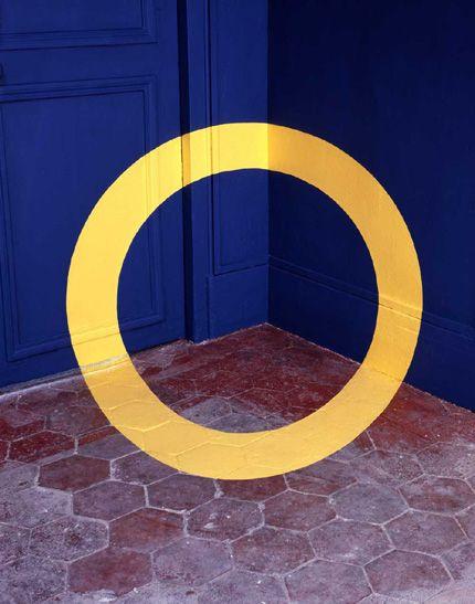 Felice Varini *links to artist's site!* www.varini.org