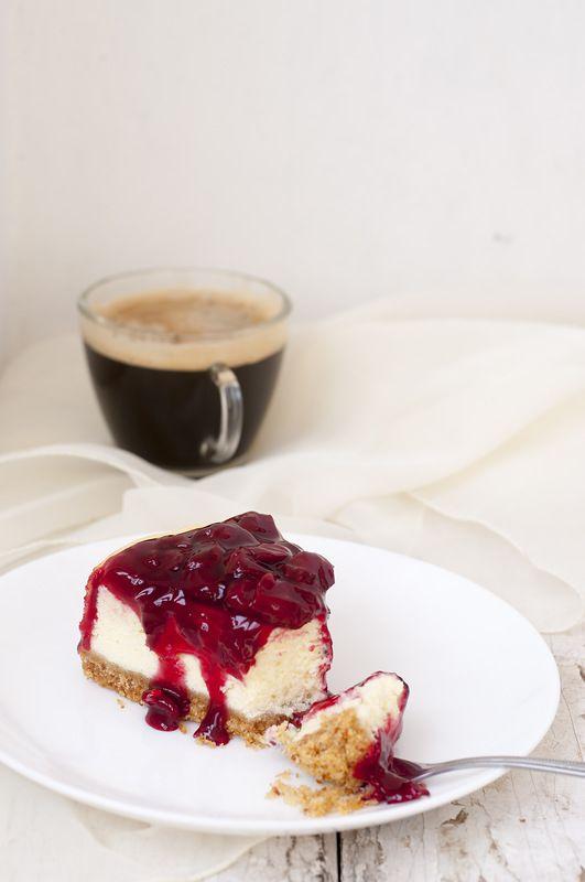 Чизкейк из рикотты с вишневым соусом - something sweet to a cup of coffee