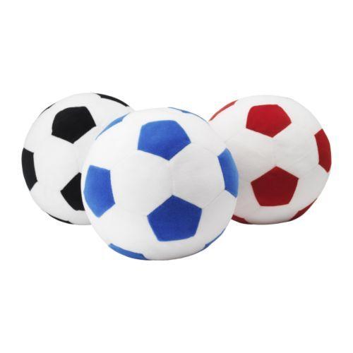 """telbal: via @obs_koppel: De """"telbal""""(zachte Ikeabal)gebruiken we vaak om het tellen te oefenen. We gooien de bal al tellend naar elkaar over.#telvaardigheid."""