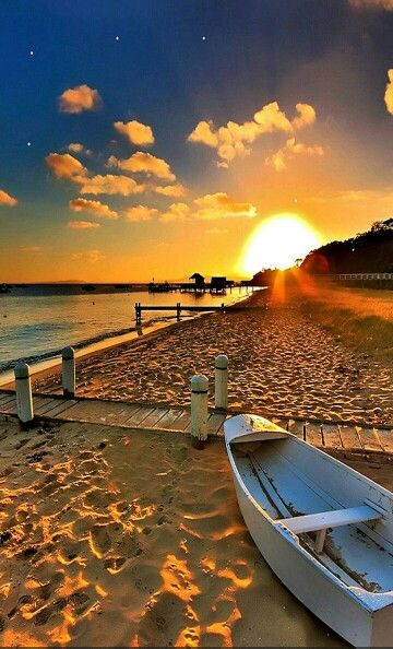 This is a Beautiful beach and i wish i was there right about now.It looks so peaceful!!!!!!!!!!!!!!!!!!!!!!!!!!!