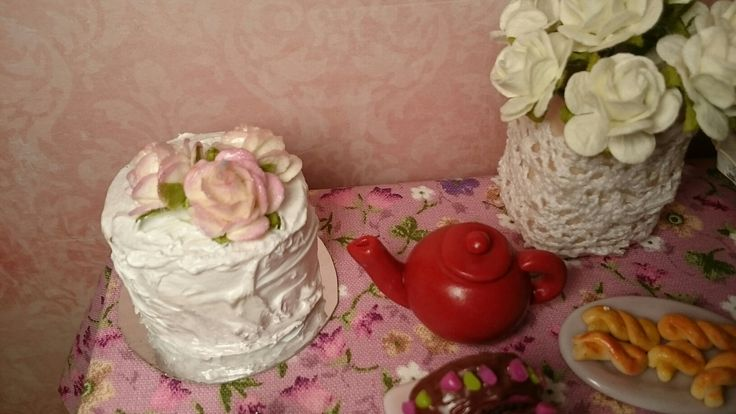 Romantic mood with cake with roses for Barbie size dolls  In my shop on Etsy shop