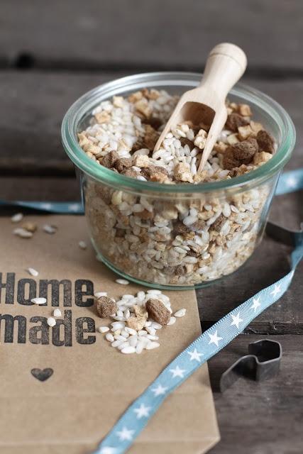 Lykkelig - mein Foodblog: Geschenke aus der Küche: Mischung für Milchreis mit getrocknetem Apfel und Zimt & Zucker.
