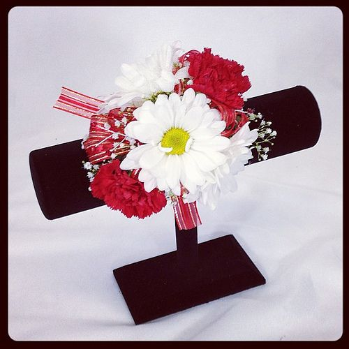 Wedding Flowers Lilydale : Wrist corsage a mixture of red miniature carnations and