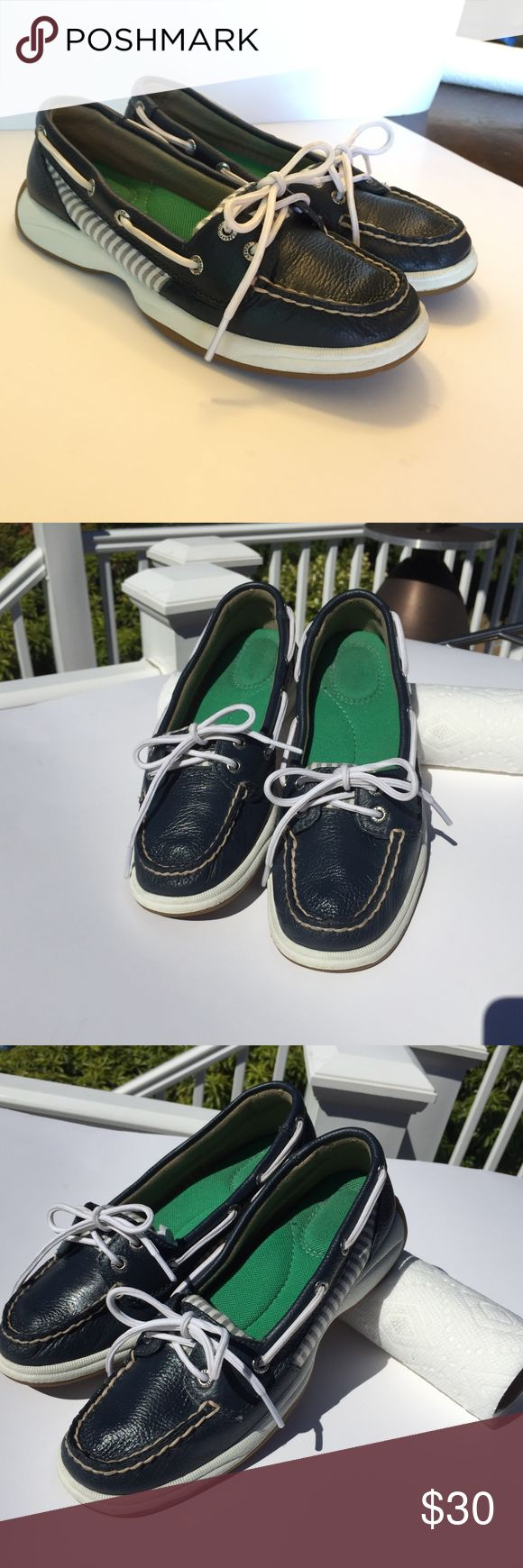 """Sperry Top-Sider Laguna Navy Blue and white stripe Women's Sperry Top-Sider Boat Shoes """"The Laguna Series""""  Navy Blue Pebbled Leather with White and Blue stripe fabric Pattern, with white laces for a clean and sporty look.  Laguna 2 eyed Sperry's have a very comfortable cushion bed with great arch support  Condition: Lightly Used, NO signs of ware  Material: Shoe is made of Pebbled Leather and Canvas material, Sole of shoe is made of rubber with great tractor for no slide  Size: Women's 6…"""