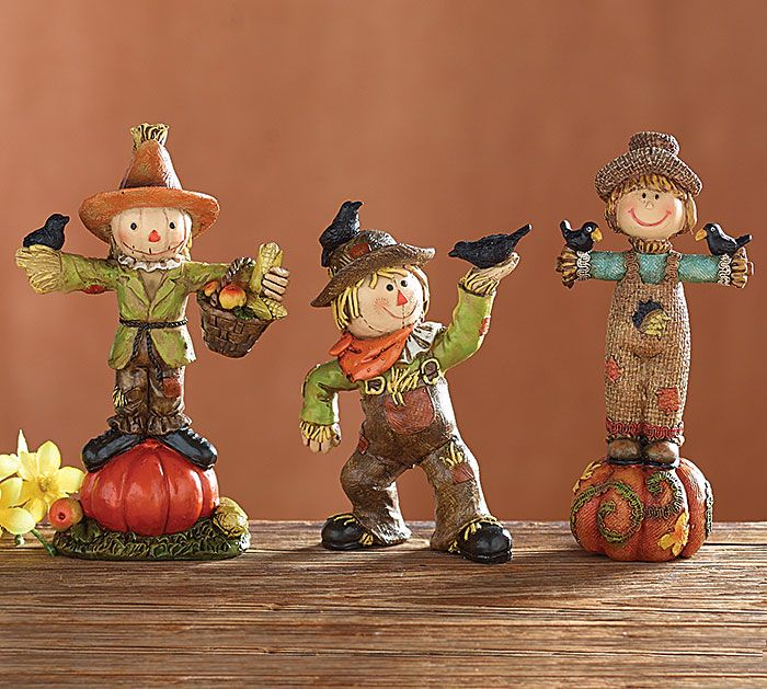 Celebrate Autumn with these Scarecrow Figurines! #burtonandburton