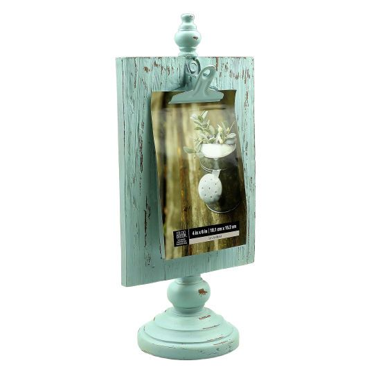 Studio Décor Viewpoint Savannah Clip Frame on Pedestal - Display a cherished photo or postcard on this pretty pedestal frame. The clip on the front makes it fast and easy for you to change out images.