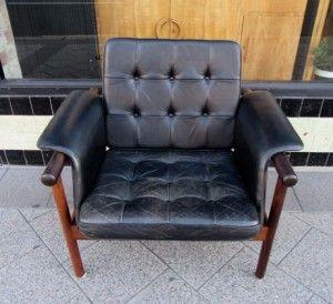leather armchair 1
