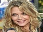 "Michelle Pfeiffer to star on 'Wizard of Lies' ""Batman Returns"" actress Michelle Pfeiffer has been signed to star on HBO's television movie ""Wizard of Lies"" about financier Bernie Madoff."
