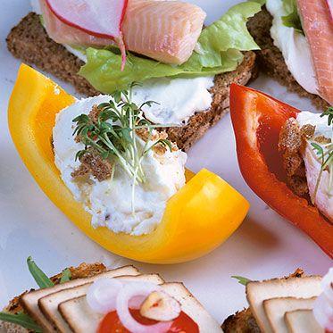 Paprikaschiffchen mit Camembertcreme Rezept | Küchengötter